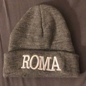 Gray beanie with ROMA embroidered on the fold